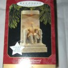 Hallmark 1997 The Lincoln Memorial Magic Ornament w/box light & music