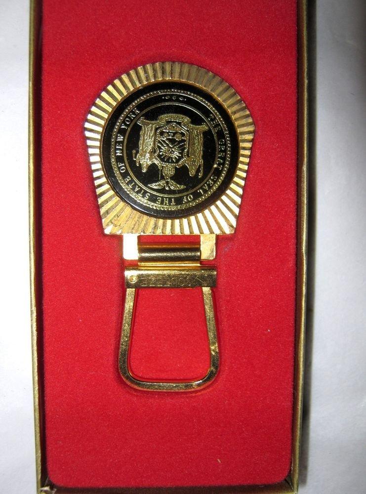 Seal of New York State black & gold tone key chain NOS Souvenir