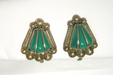 """VTG 40's MPC Sterling Silver green stone screw back earrings 1"""" Mexico"""