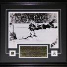 Bobby Orr The Goal Black & White 11x14 frame