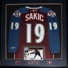 Joe Sakic Colorado Avalanche signed jersey frame