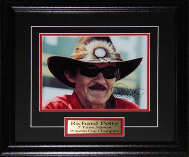 Richard Petty Nascar signed 8x10 frame