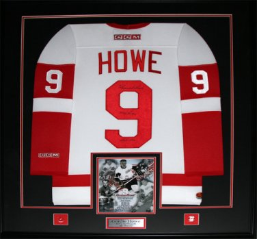 Gordie Howe Detroit Red Wings Signed jersey frame