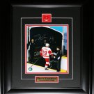 Steve Yzerman Detroit Red Wings final game signed 8x10 frame