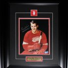 Gordie Howe Detroit Red Wings signed 8x10 frame