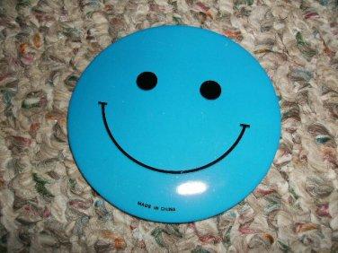 BLUE HAPPY/SMILEY FACE BUTTON