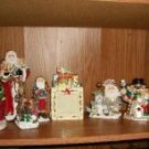 EIGHT PIECE CHRISTMAS DECORATION LOT
