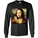 Hilarious parody mona lisa taking a selfie Long Sleeve Gildan
