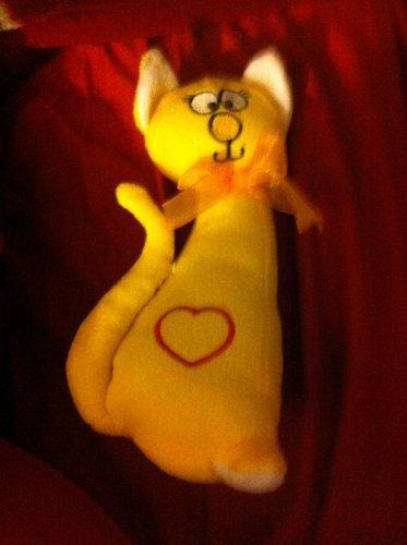 Vinrage Stuffed Plush Yellow Cool Cat