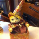 Beautiful  PORCELAIN MOVING MUSICAL JESTER CLOWN CAT