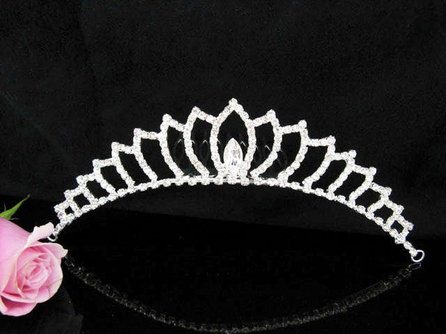 Silver Tiara Bridal Comb, Pearl Crystal Elegance Hair Comb Tiara style, Wedding hair Comb 7631
