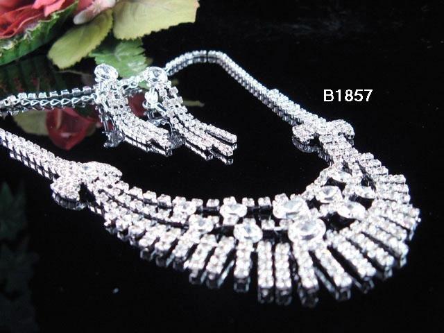 Silver elegance Jewelry set; Bridal Necklace Set;Rhinestone Wedding clip Earring Necklace #1857