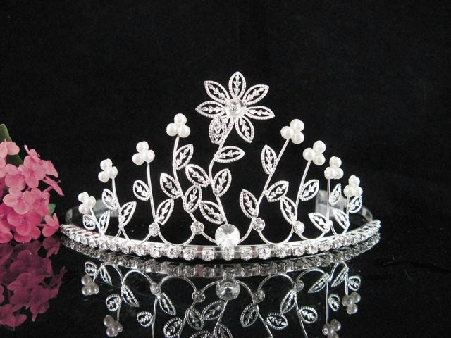 Bridal Veil ;Opera Hair accessories ;Bridesmaid Tiara;elegance Silver Bride Headpiece#148