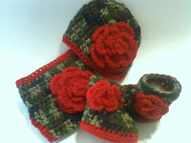 Crochet Dark Camo and Floral Diaper Cover Set in Red with Hat, Booties Newborn 0-3 Months