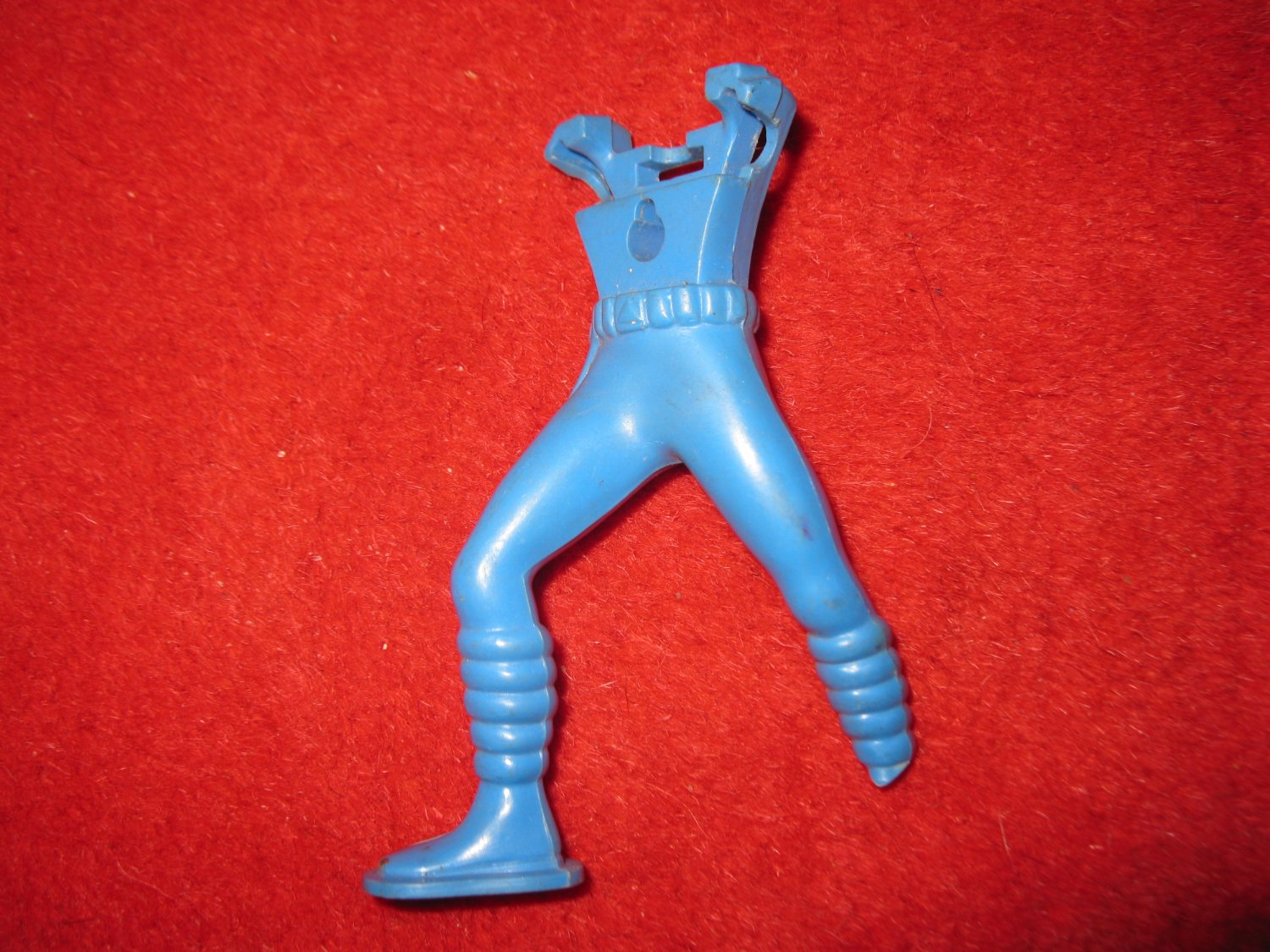 1960's Renwal Take-a-part Spaceman Puzzle Action Figure part: Blue Torso / Body (damaged foot)