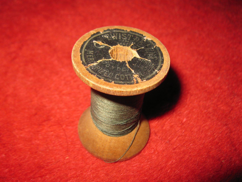 American Thread Company wood Spool w/ Thread: Twist De Luxe, 0 , 3 Cord Mercerized Cotton
