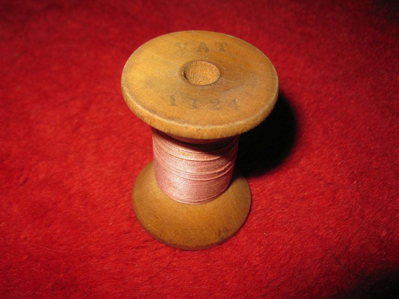 old wood Spool w/ Thread: VAT 1124 pink