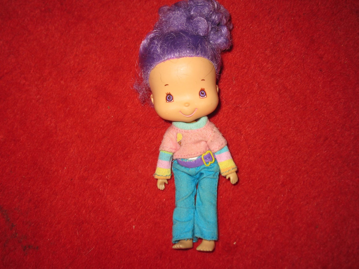 2002 Strawberry Shortcake doll *ERROR !- purple hair -2 LEFT ARMS!!!