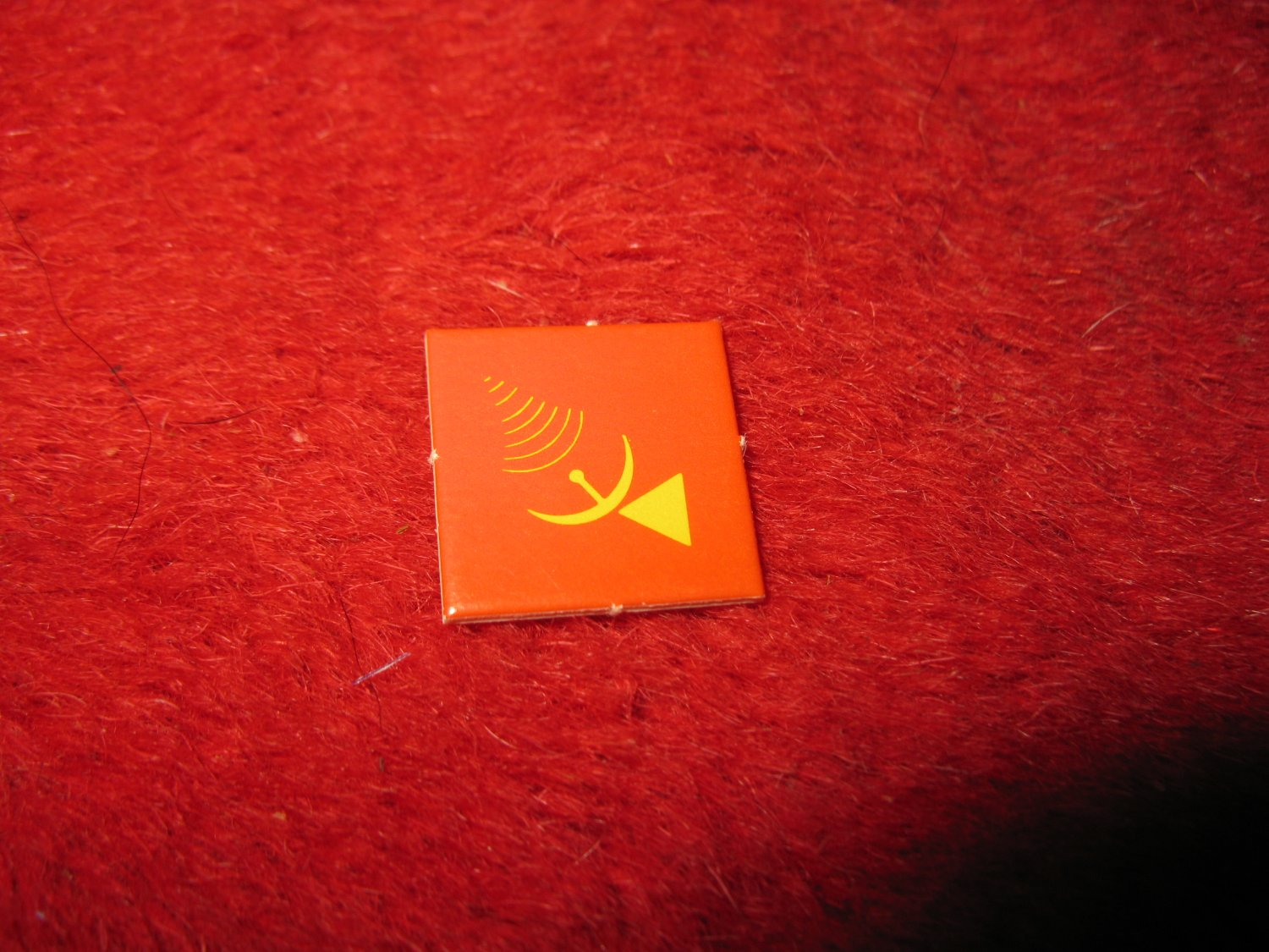 1988 The Hunt for Red October Board Game Piece: Radar/Sonar red Square Counter