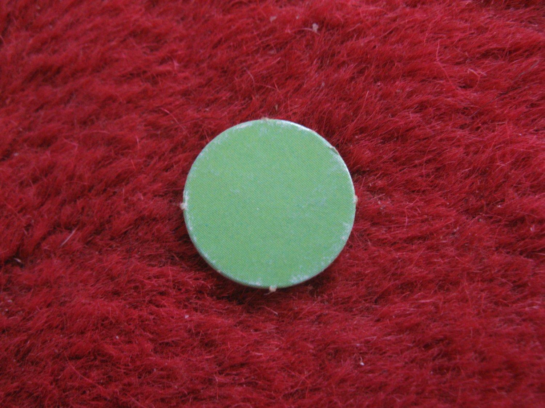 1970 Squirmy Wormy Board Game Piece: Green round marker