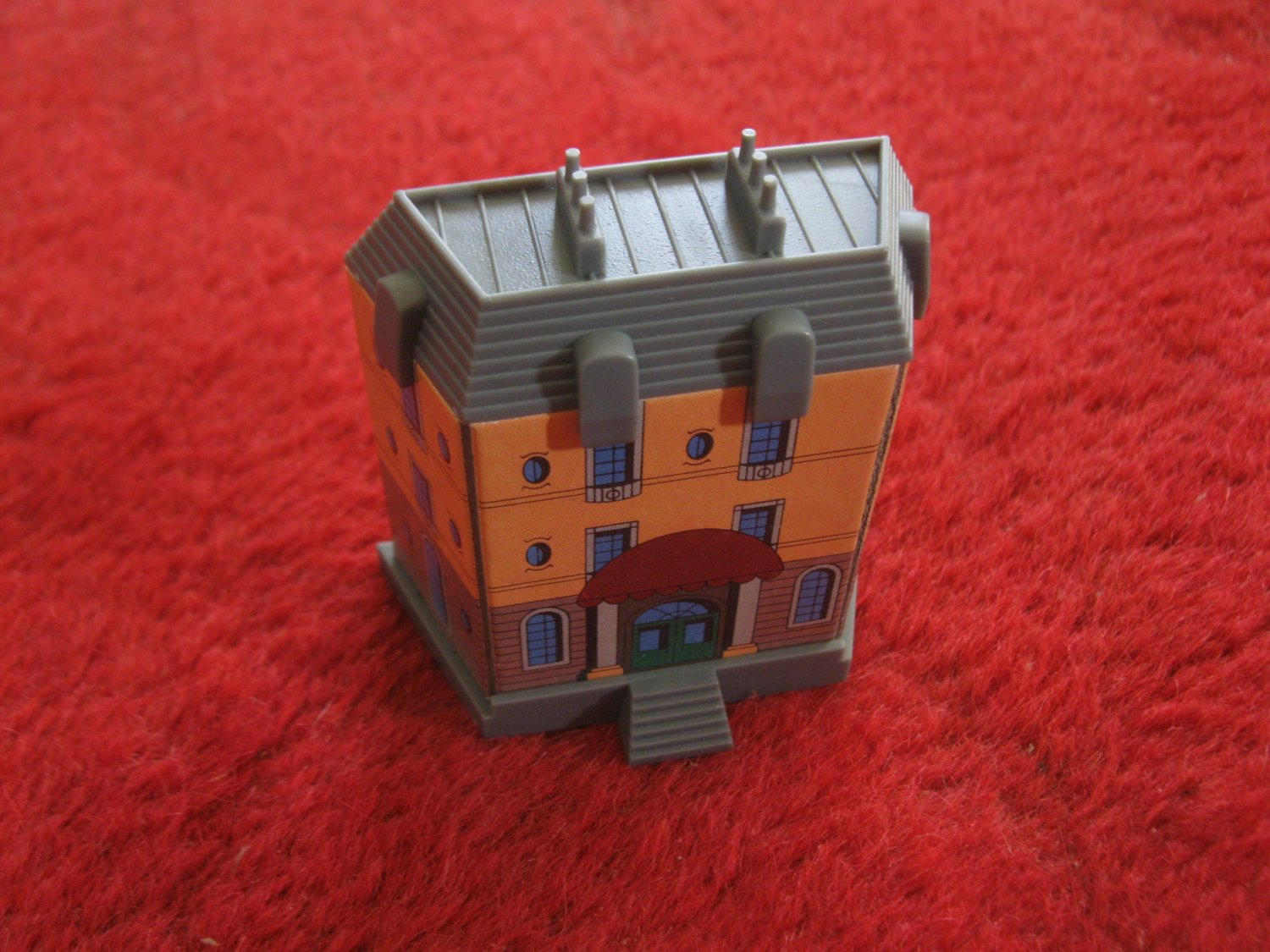 1987 Hotels Board Game Piece: Le Grand Hotel complete Side Building