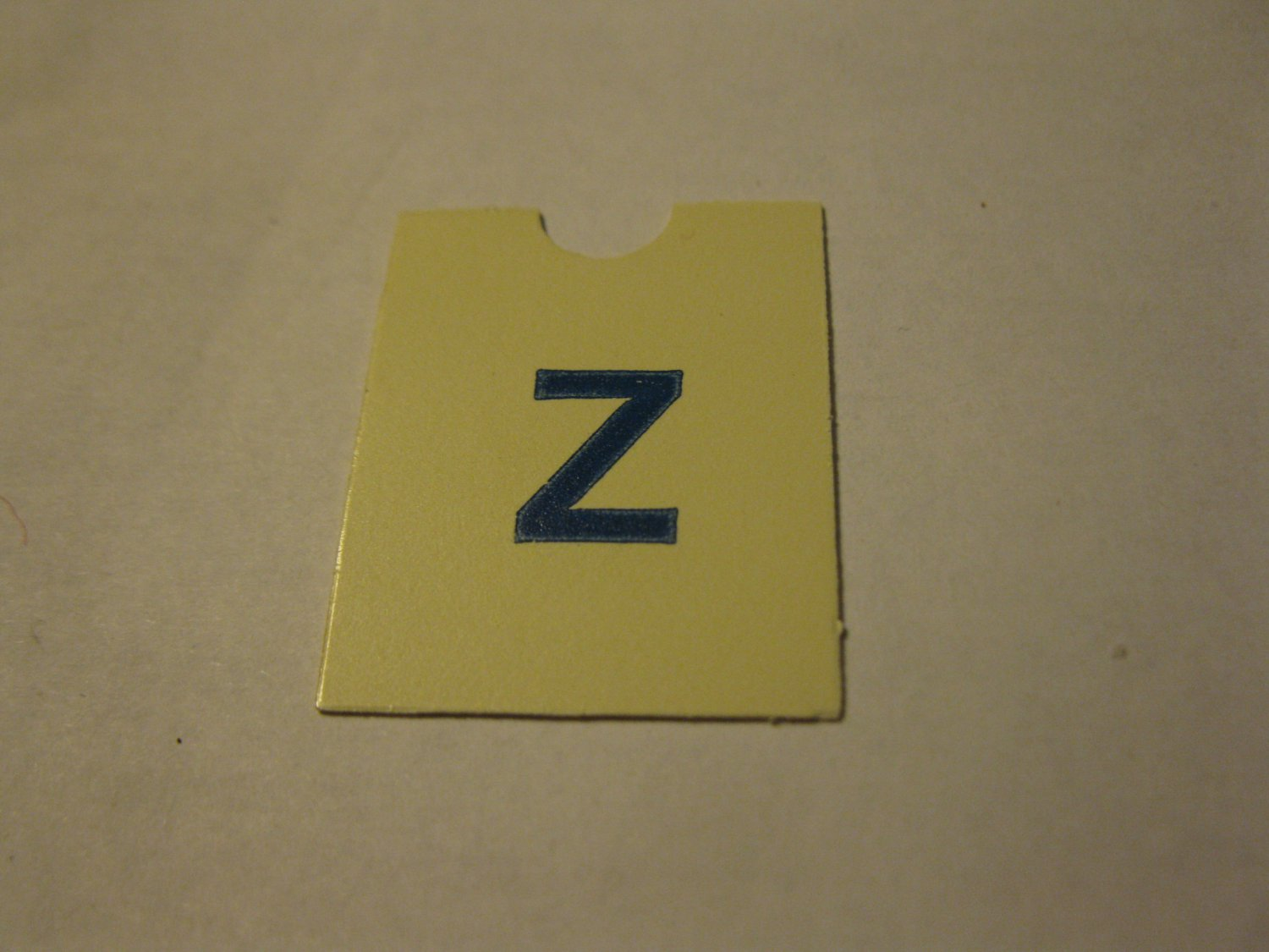 1967 4CYTE Board Game Piece: Blue Letter Tab - Z