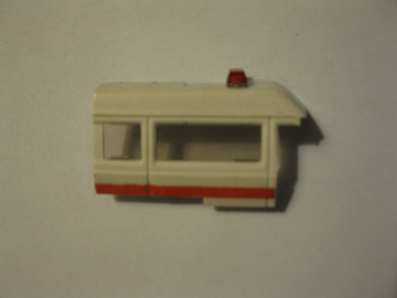 G1 Transformers Action figure part: 1984 Ratchet - Ambulance rear Right side