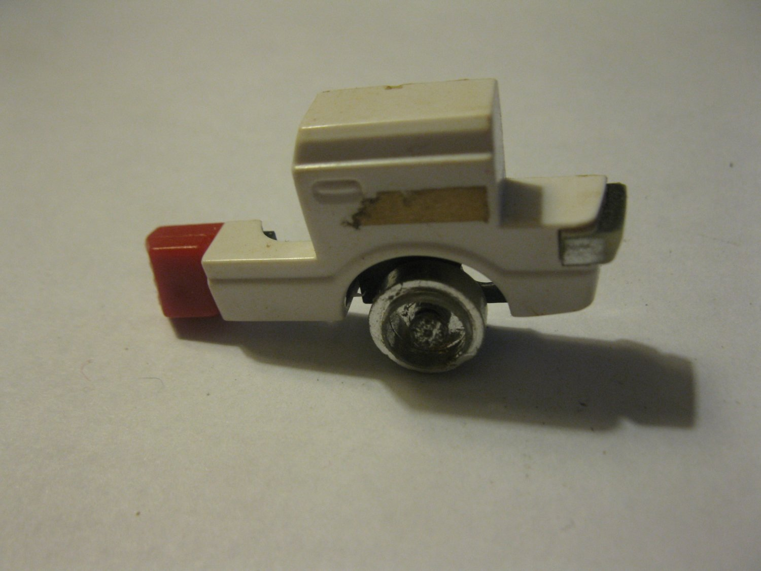 G1 Transformers Action figure part: 1984 Ratchet - Ambulance front Right Wheel / Left Arm