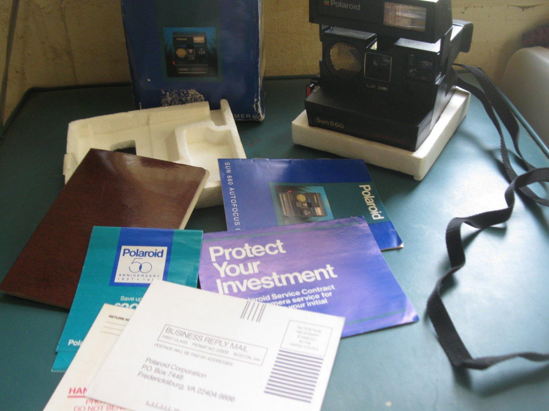 vintage Polaroid Sun 660 AF instant Camera - complete w/ Original Box, foam & Paperwork