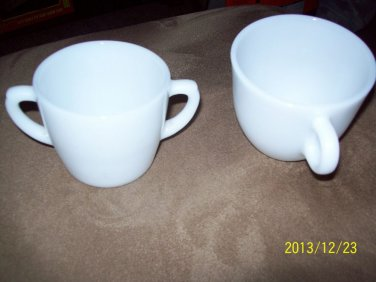 Rare Pair of Anchor Hocking Fire King White USA 10 Oz Ovenware Cup w Trigger Han