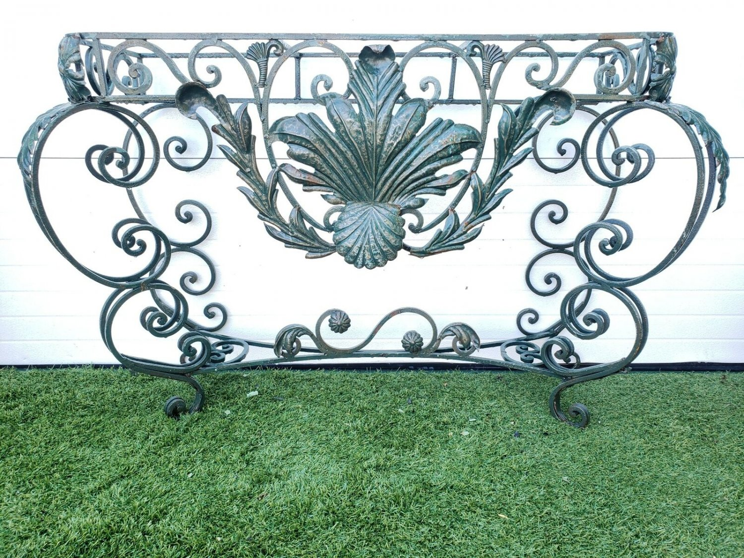 Regal French Antique Green Painted Acanthus Leaf Motif Wrought Iron Table