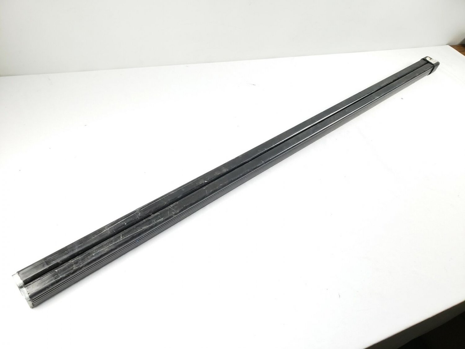 "Thule 49 1/2"" Roof Load Bars, Damaged Coating"