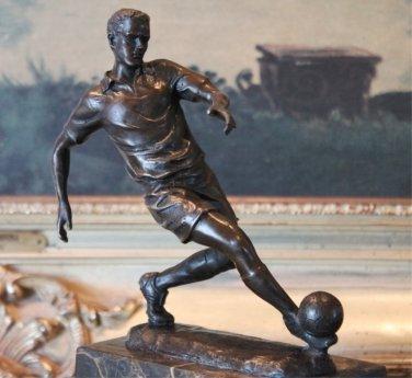 Soccer Athlete World Cup Bronze Sculpture