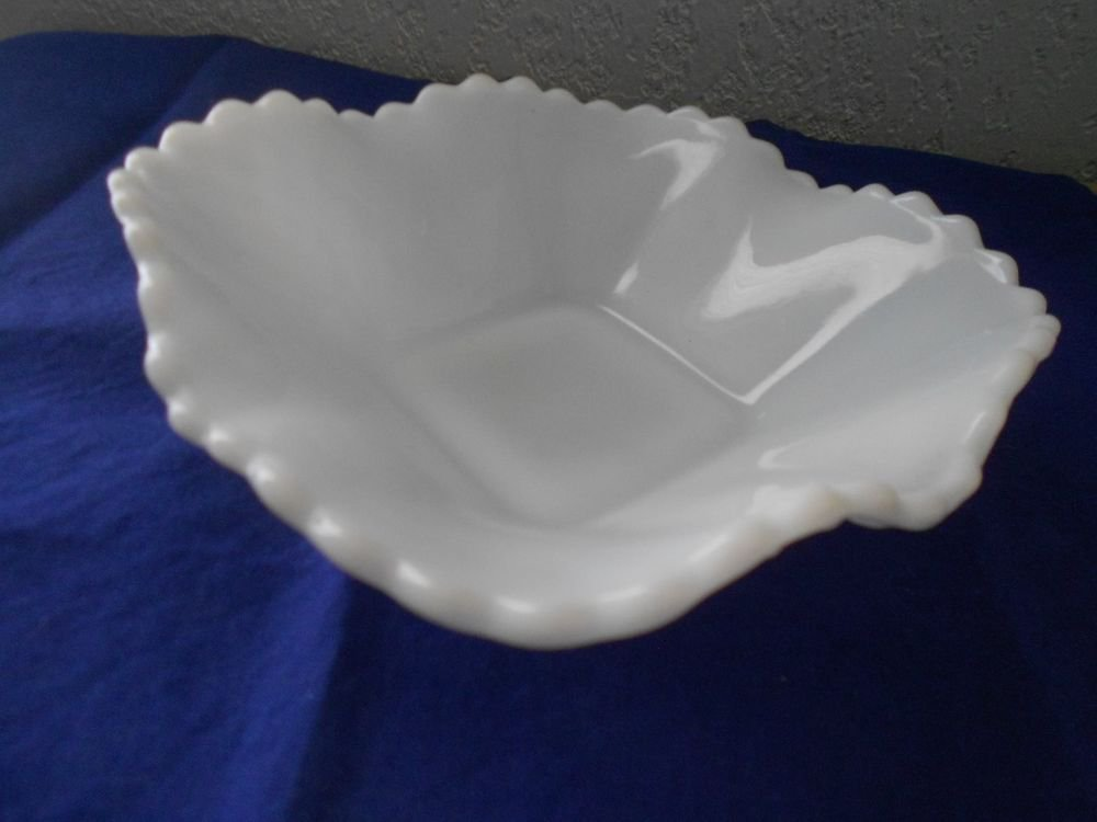 Vintage Fenton White Milk Glass Ruffled Edge Diamond Cut