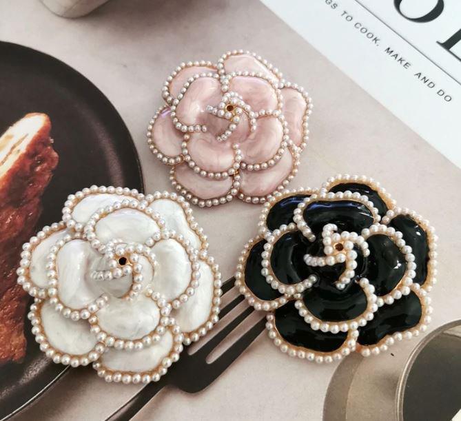 Fashion Elegant Camelia Brooch Black Pearls Brooch for Women Fancy Brand CC Jewelries