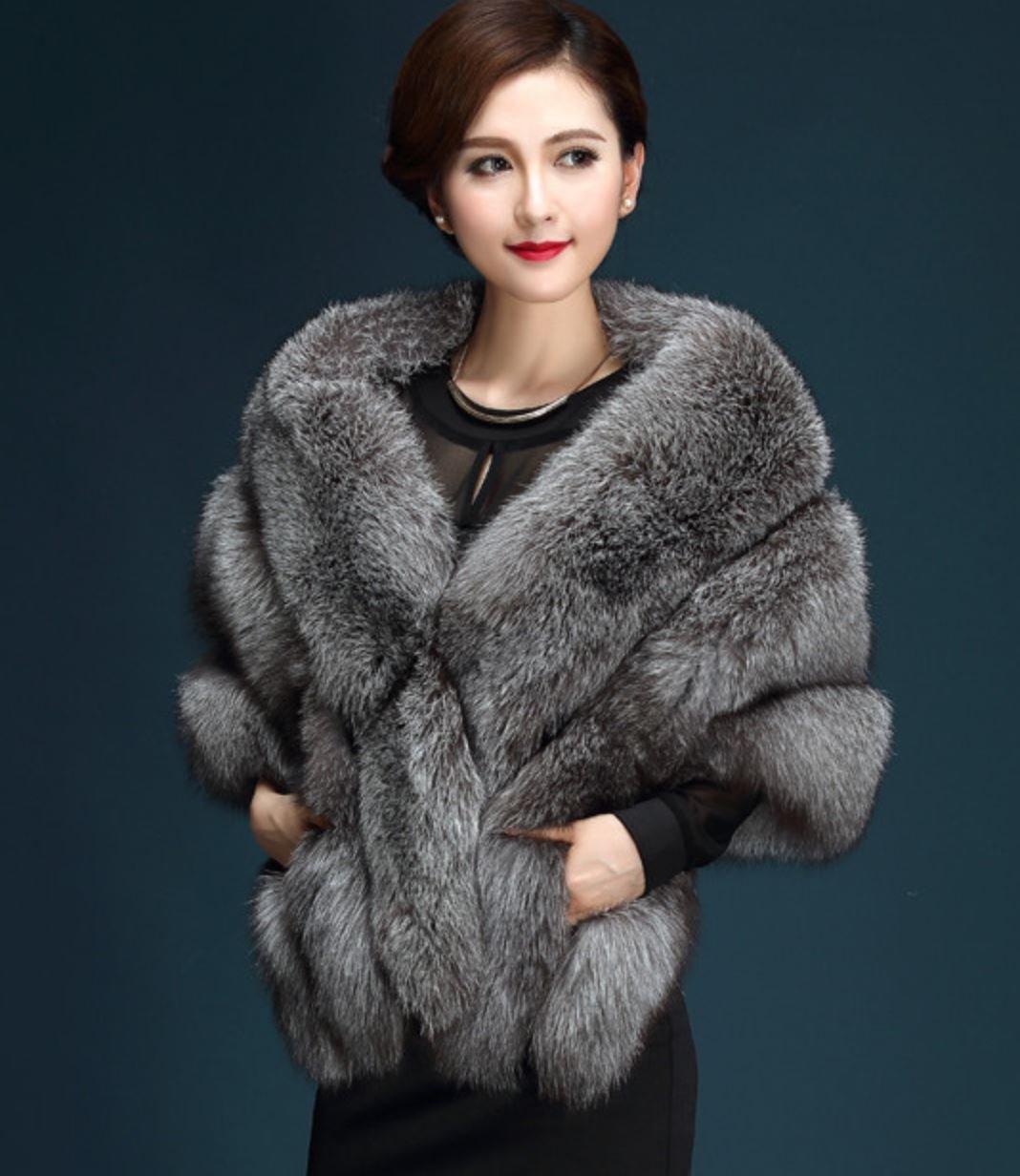 Gray Poncho for Winter Season Elegant Luxury Type Clothing for Women Gray Fur Vest