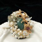 RSS Boutique Beautiful Brooch for Women Green Pendant Pearl Decoration Mother's Day Gift