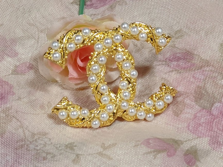 FREE SHIPPING Wedding Brooches for the Bride Golden Pins for Men and Women