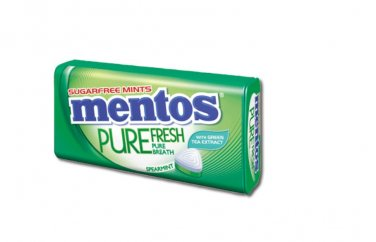 4 Tins of Mentos Pure Fresh Sugarfree Mints in Spearmint Flavour