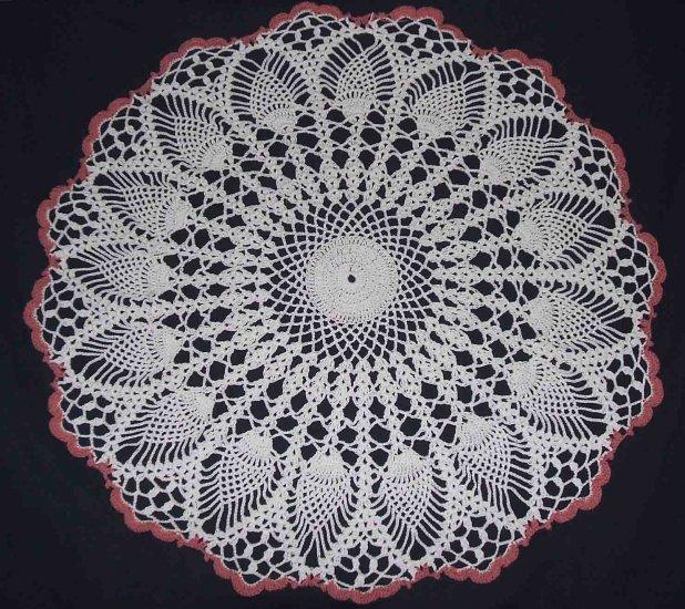 """NWOT Thread Crochet White & Rose Pineapple Doily 21"""""""