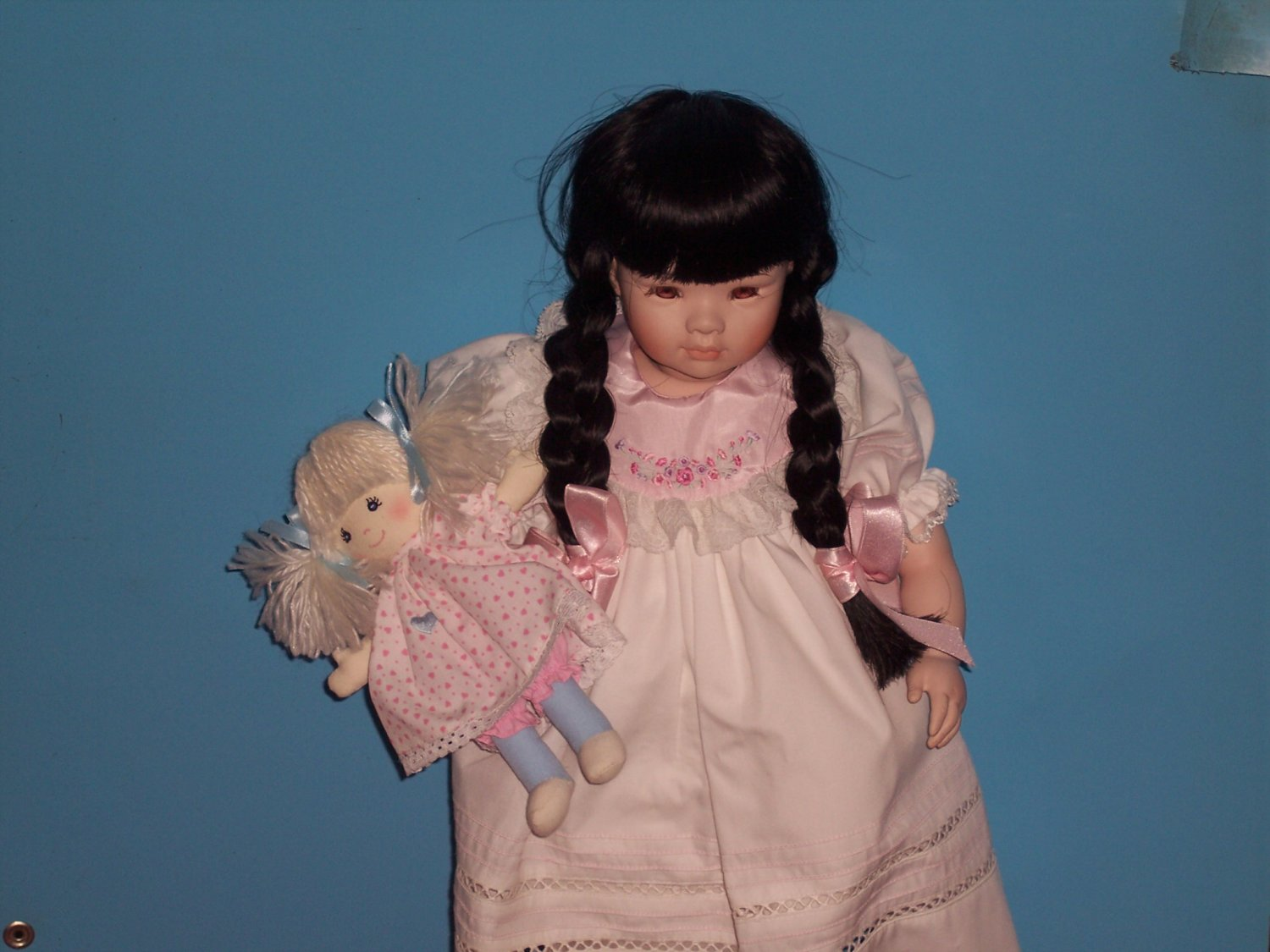"""JULIA"" BY PAULINE'S LMTD EDITION PORCELAIN DOLL!"