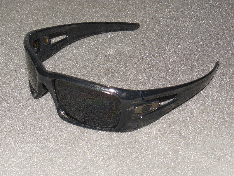 Oakley Crankcase Sunglasses Grey Smoke/Dark Grey History Text/Grey POLARIZED