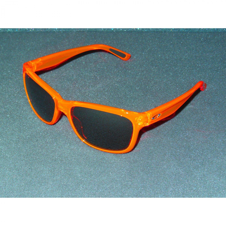 Oakley Forehand Women's Retro Sunglasses Neon Orange/Black Iridium