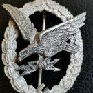 Late WW2 Air Gunner's badge in zinc (1944)