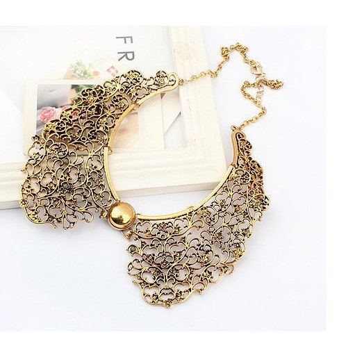 Women Retro Gothic Hollowed Carve Alloy Necklace