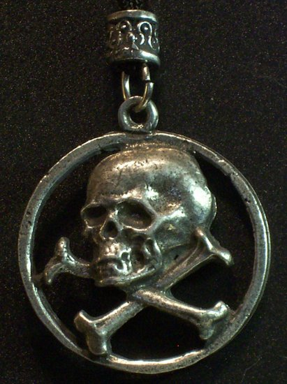 Pewter  Skull and Crossbones Pendant