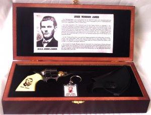 Jesse James Gun Knife, Holster, Key Chain Set