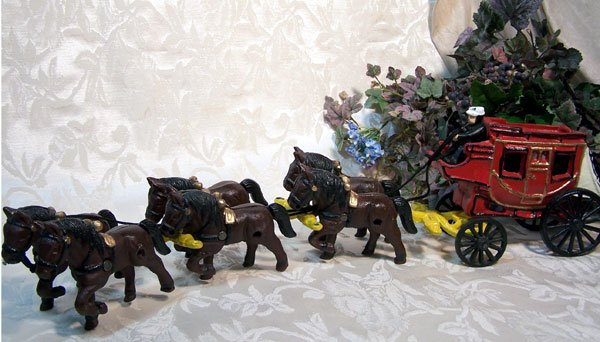 Cast Iron Stagecoach with Team of 6 Horses