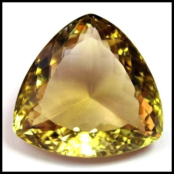 32.55 ct EXTREMELY BEAUTUFUL EARTH MINED CHAMPAGNE QUARTZ GEMSTONE TRILLION CUT