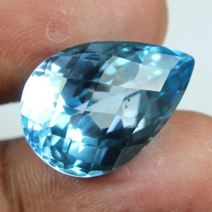 22.50 CARAT MOST BEAUTIFUL NATURAL EARTH MINED BLUE TOPAZ GEMSTONE PEAR CHECKER